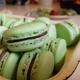 Kesäisen vihreät macaronsit