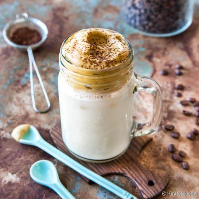 https://www.kinuskikissa.fi/wp-content/uploads/kinuskit/thumbs/2_dalgona-kahvi-coffee-resepti_400x400.jpg