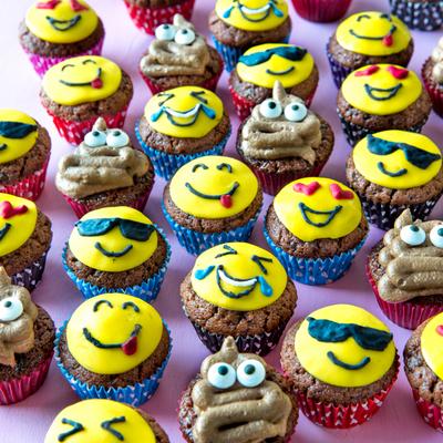 https://www.kinuskikissa.fi/wp-content/uploads/kinuskit/thumbs/2_emoji-muffinssit-1_400x400.jpg