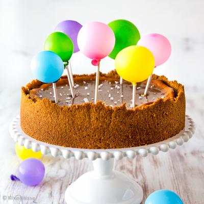 https://www.kinuskikissa.fi/wp-content/uploads/kinuskit/thumbs/2_salted-caramel-cheesecake-1_400x400.jpg