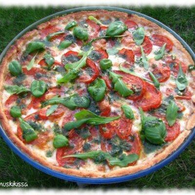 https://www.kinuskikissa.fi/wp-content/uploads/kinuskit/thumbs/2_tomaatti_mozzarellapiirakka1_400x400.JPG