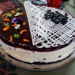 Kukkiva kakku ristikolla