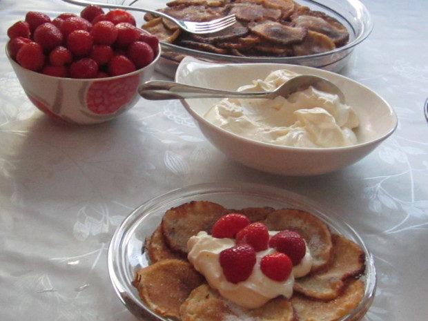 Pikkuletut kera rahkan ja mansikoiden.. | Reseptit | Kinuskikissa | Reseptit