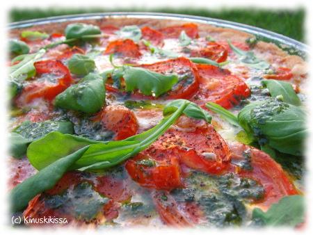 tomaatti_mozzarellapiirakka2.JPG