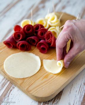 kukkakimppu-voileipakakku-vaihe-10