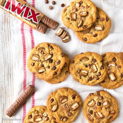 https://www.kinuskikissa.fi/wp-content/uploads/sini/twix-chip-cookies-resepti.jpg